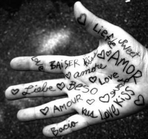 peace-love-hand-sweet_82550585